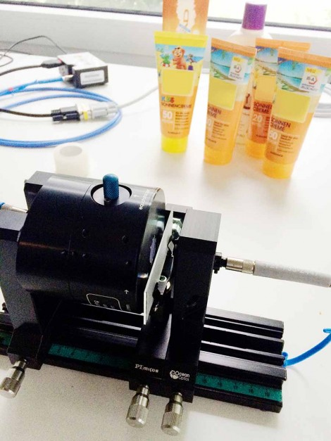 Testing sunscreens with spectroscopy
