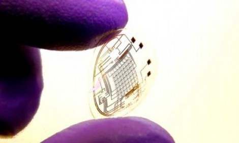 Bionic contact lenses using LED technology