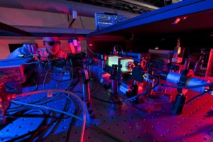 Working on laser beams at the heart of the holometer Credit Fermi Lab