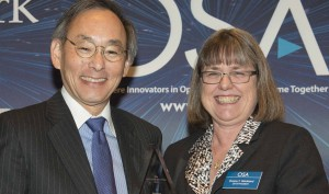 OSA President Donna Strickland right, presents the 2013 Advocate of Optics honor to US Secretary of Energy Steven Chu in Washington, DC