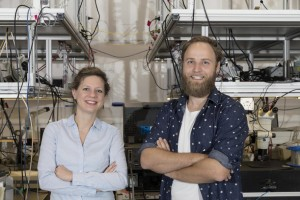 Dr Birgit Stiller l and Moritz Merklein r at the University of Sydney Nanoscience Hub Photo Louise Connor, University of Sydney