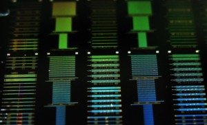 OFC 2017 Plasmonic device offers broadband modulation to optical links