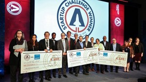 Winners, judges, and sponsors of the 2018 SPIE Startup Challenge with then-SPIE President Maryellen Giger, left