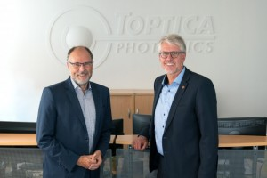 With Dr Thomas Webers move to the Supervisory Board, the Management Board now consists of Dr Thomas Renner SalesOperations and Dr Wilhelm Kaenders Technology