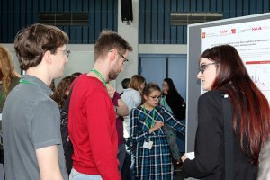 Scientists engaging in fruitful discussions during the poster session of PicoQuants Quantum Symposium