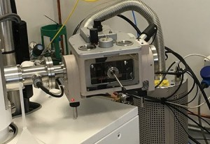 The Quorum PP3000T cryo-SEM prep system mounted on a JEOL SEM at the Diamond Light Source