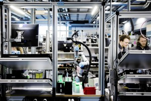 Cobots automate the assembly line