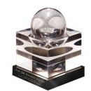 The 2014 GE Edison Award personalised Steuben crystal trophy