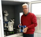 Dr Stefan Kaemmer, JPKs new General Manager, US Operations, with the NanoWizard AFM system